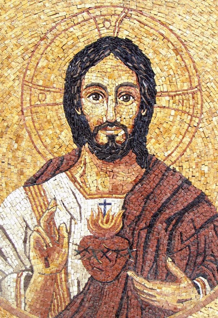 """""""Salió entonces Jesús fuera llevando la corona de espinas y el manto de púrpura. Díceles Pilato: Aquí tenéis al hombre"""" Jn 19, 5"""