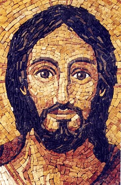 La Eucaristía no sólo es la plenitud de nuestra vida cristiana, sino también la fuente de donde brota toda su vitalidad.