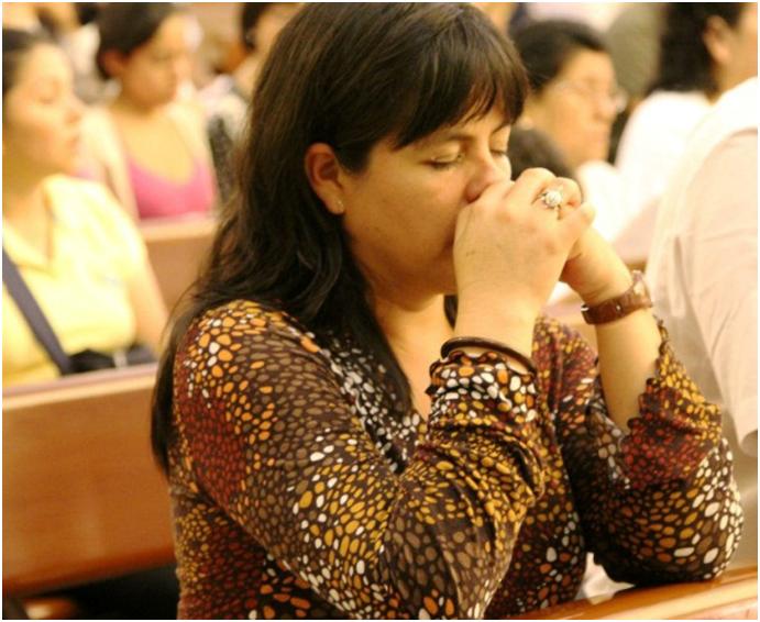 """""""No deseo nada ni me siento apegada a nada más que a Jesús Sacramentado. Pensar que el Señor se quedó con nosotros me infunde un deseo de no separarme de El en la vida, si se pudiera; y de que todos lo conociesen y amasen""""."""